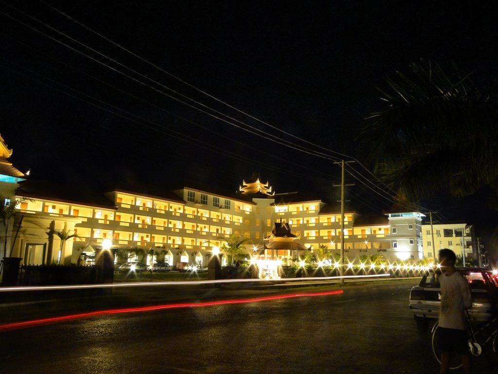 Mawlamyine Strand Hotel, Mawlamyine