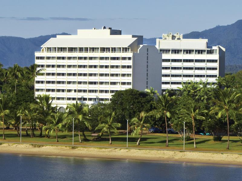 Holiday Inn Cairns Harbourside, Cairns  - City