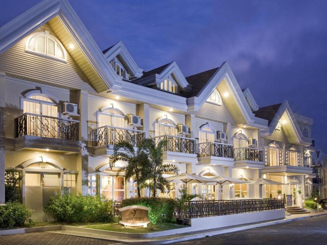 Best Price On Hotel Venezia In Legazpi Reviews
