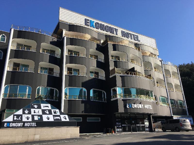 Ekonomy飯店 - 加平