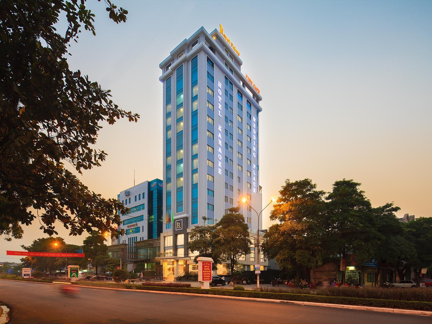Royal Palace Hotel, Tuyên Quang