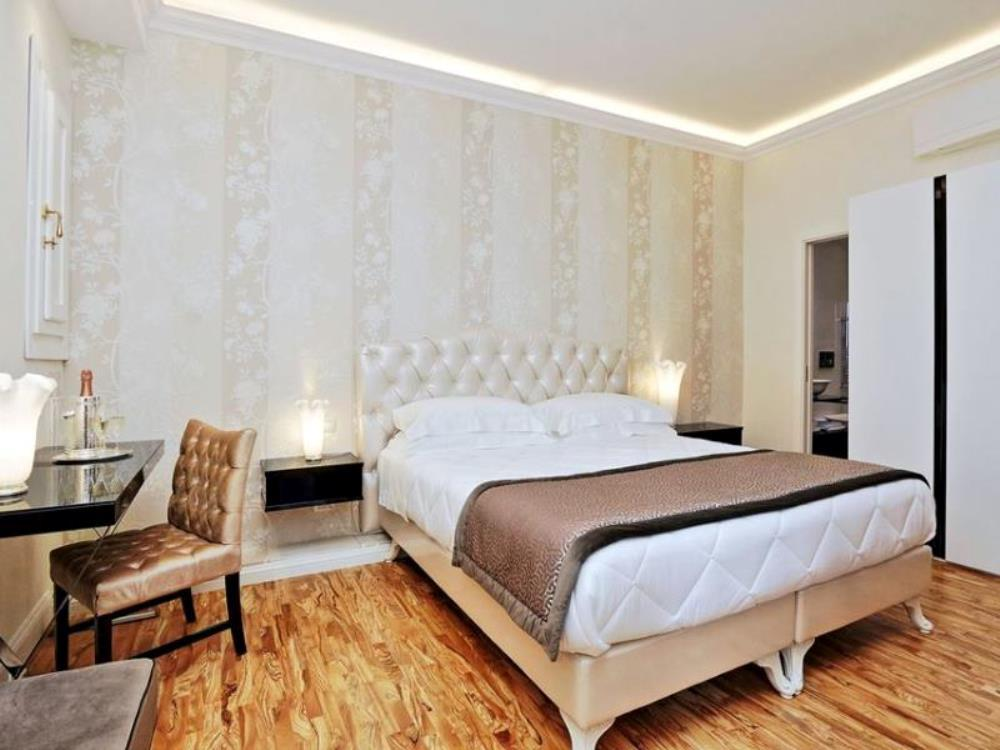 Lanza 111 Exclusive Rooms