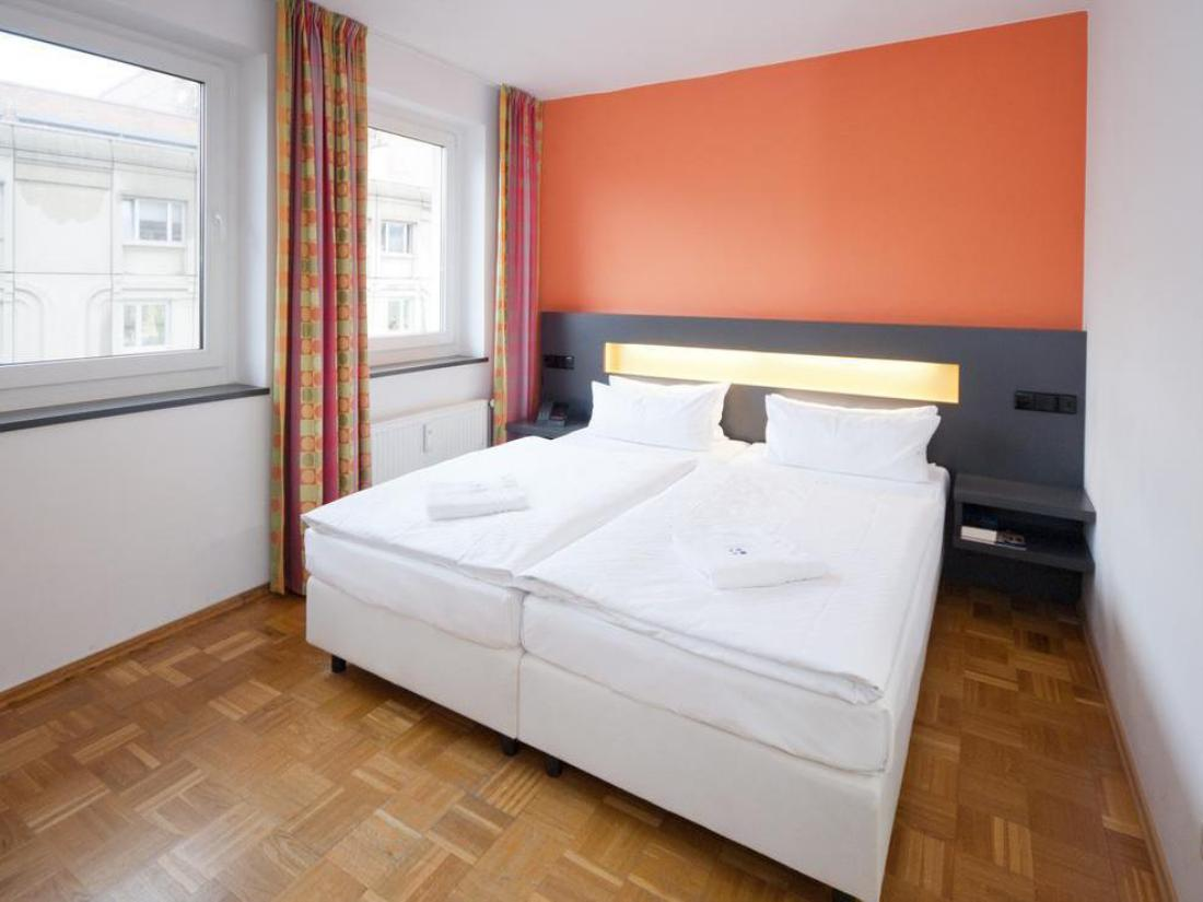 Book Hotel Dietrich Bonhoeffer Haus Berlin Germany
