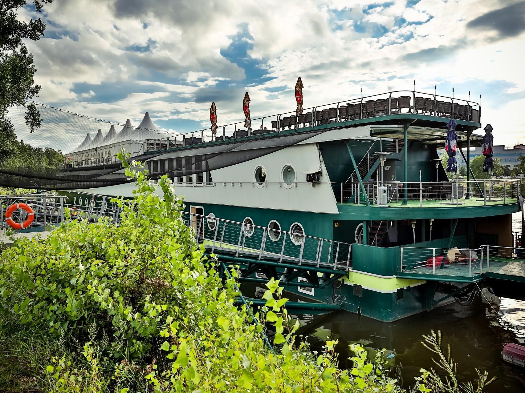 Rohan Boat Prague