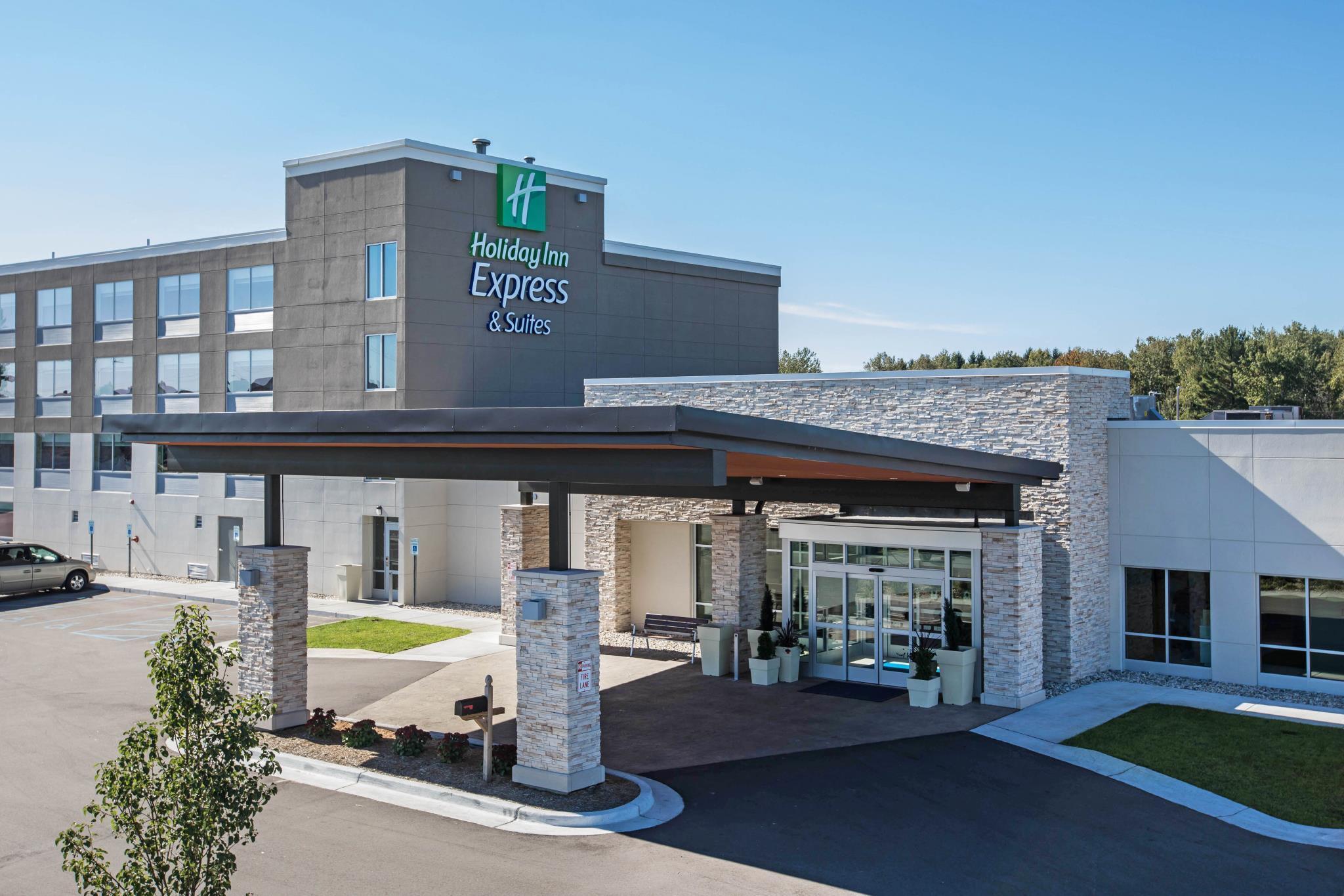 Holiday Inn Express & Suites Ludington, Mason