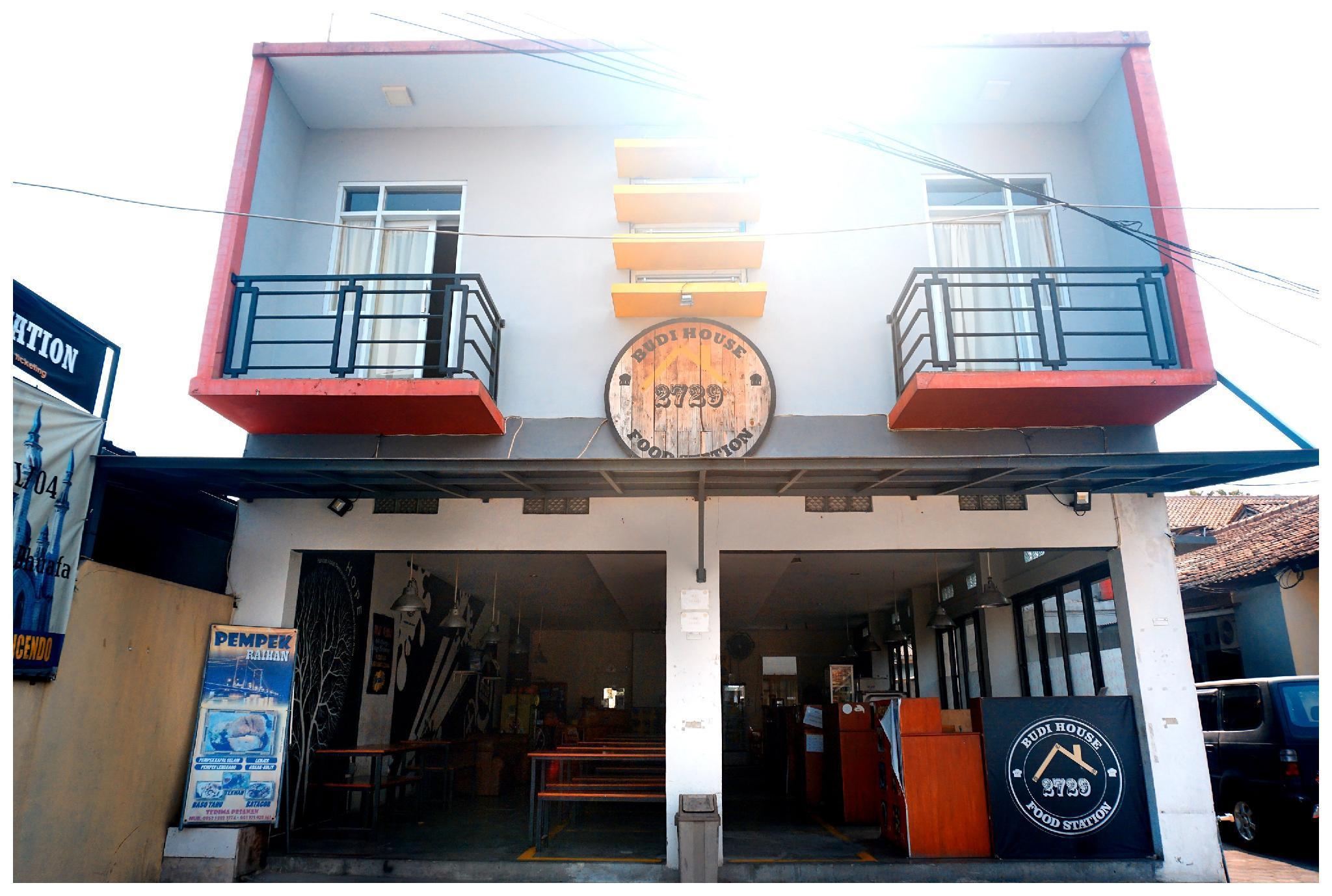 Budi house & food station, Cimahi