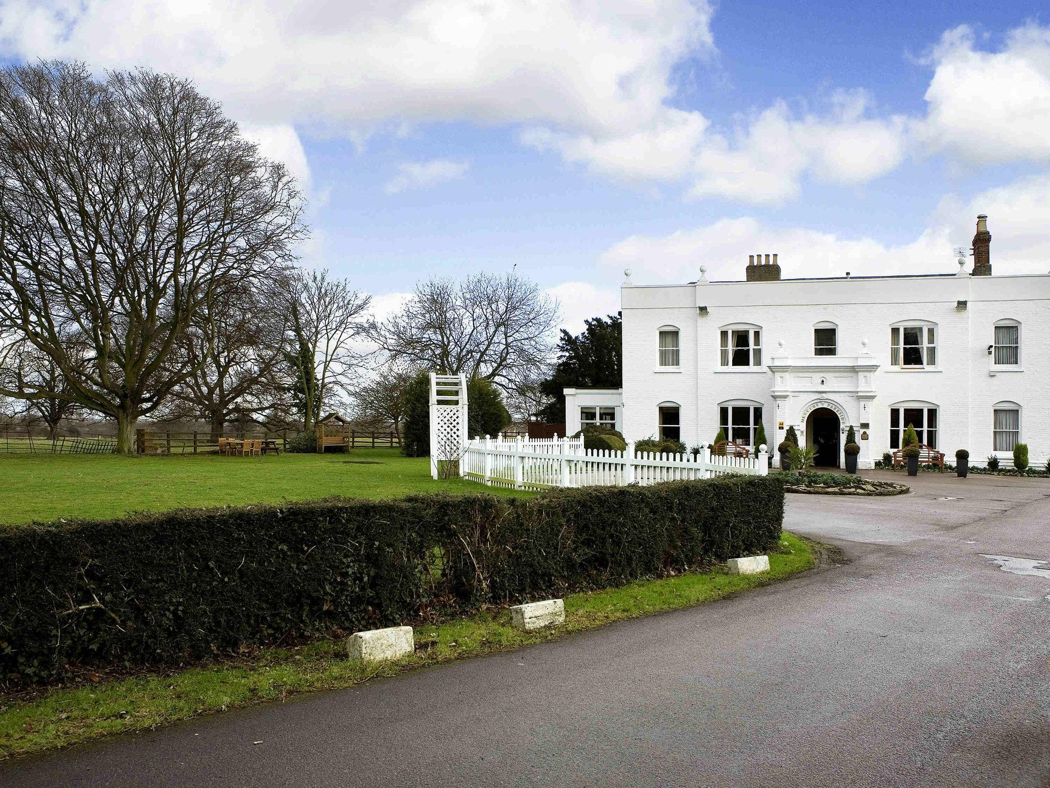 Woughton House - Mgallery, Milton Keynes