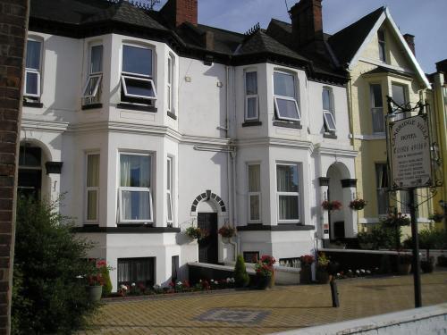 Cambridge Villa Hotel