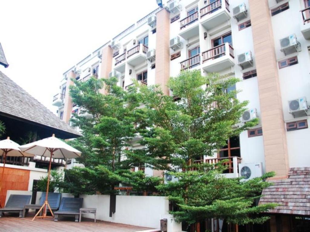 ブルカノ ホテル アット ニマン8