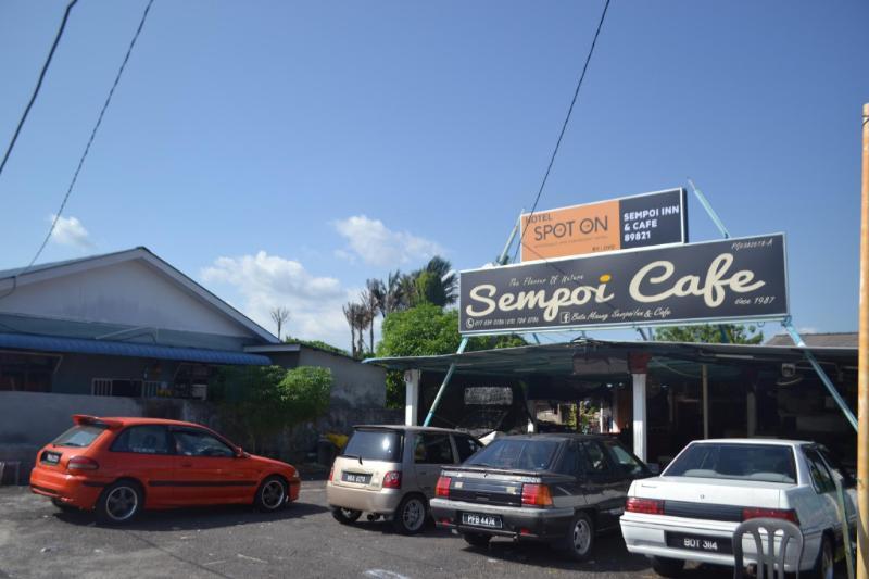 斯波特昂 89821 峇都茅瑟姆珀伊旅館及咖啡館
