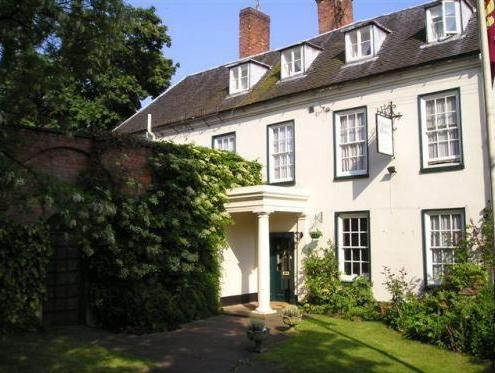 Chapel House, Warwickshire