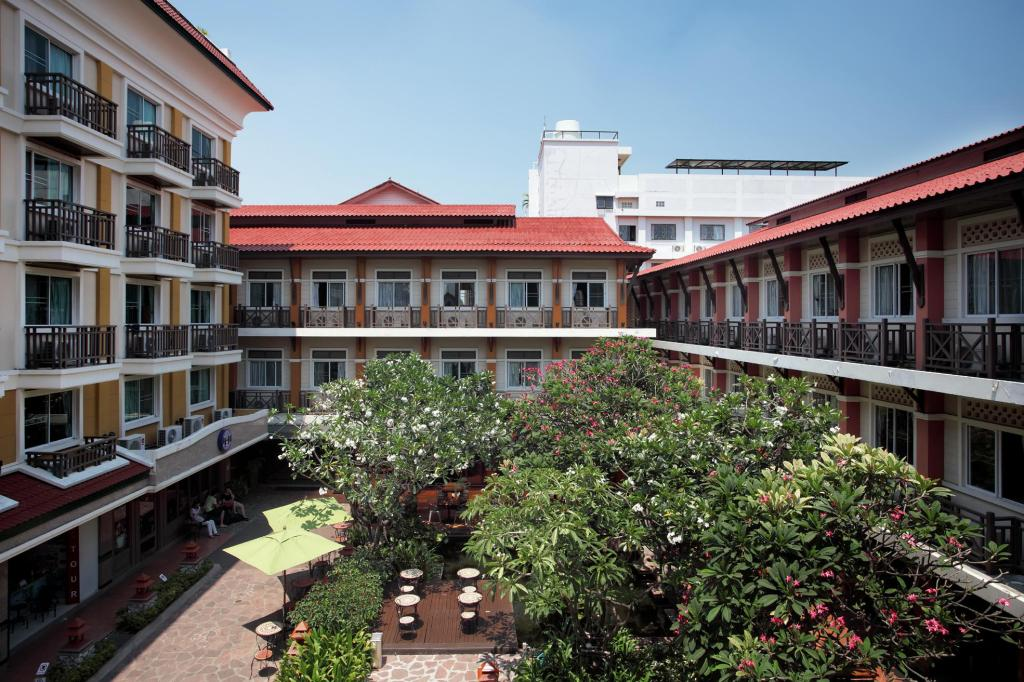 ランブットリー ヴィレッジ ホテル1