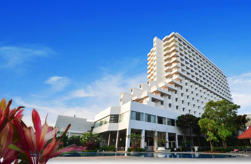 我想看女人下边的囹�a_【度蜜月首選】歡迎中天海灘飯店(WelcomeJomtienBeachHotel)便宜