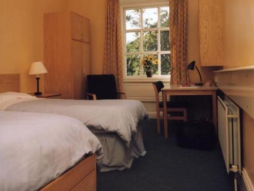 Best Price on Trinity College - Campus Accommodation in Dublin + Reviews