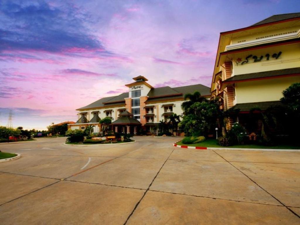 サバイ ホテル13