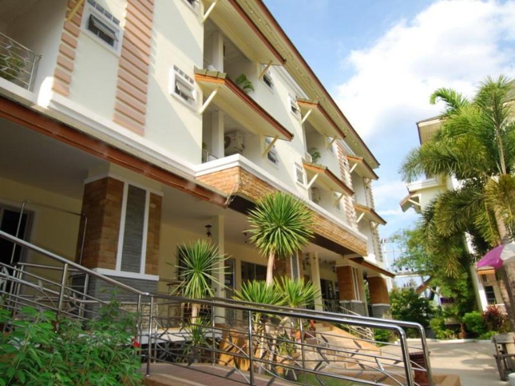 サバイ ホテル18
