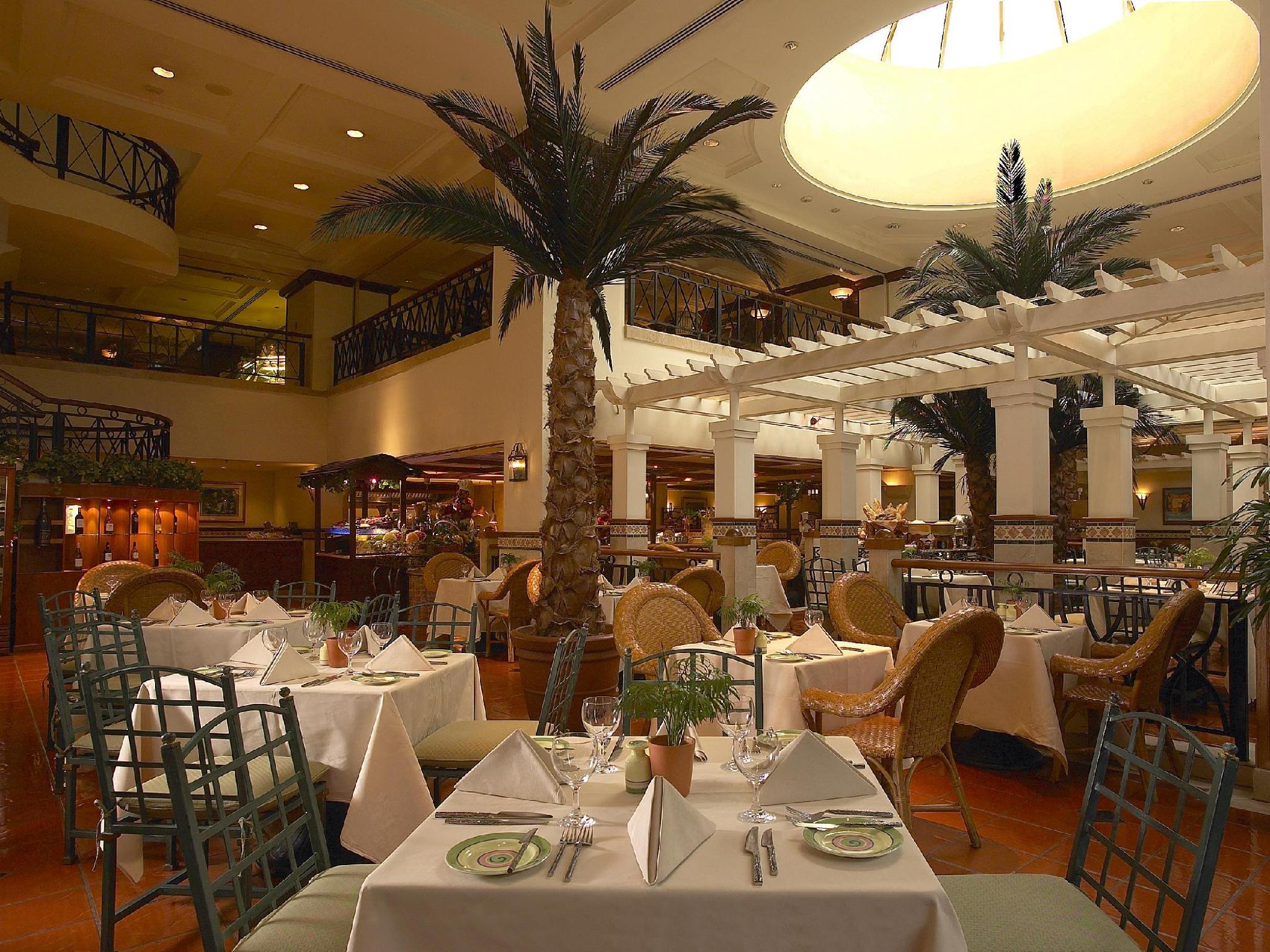 Dorsett Grand Subang Hotel - Restaurant