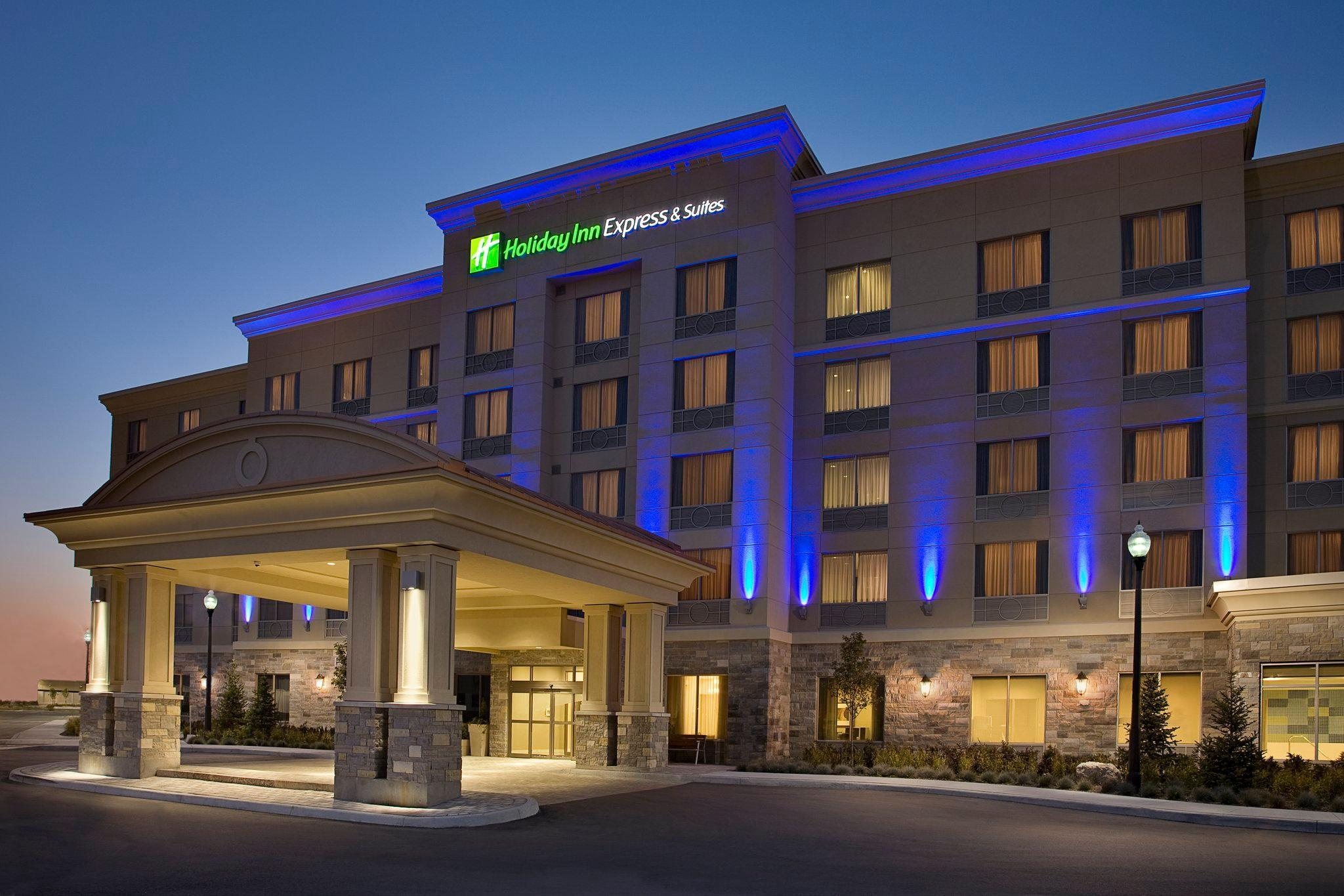 Holiday Inn Express & Suites Vaughan Southwest, York