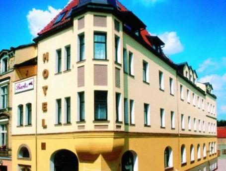 Bartis. Hotel