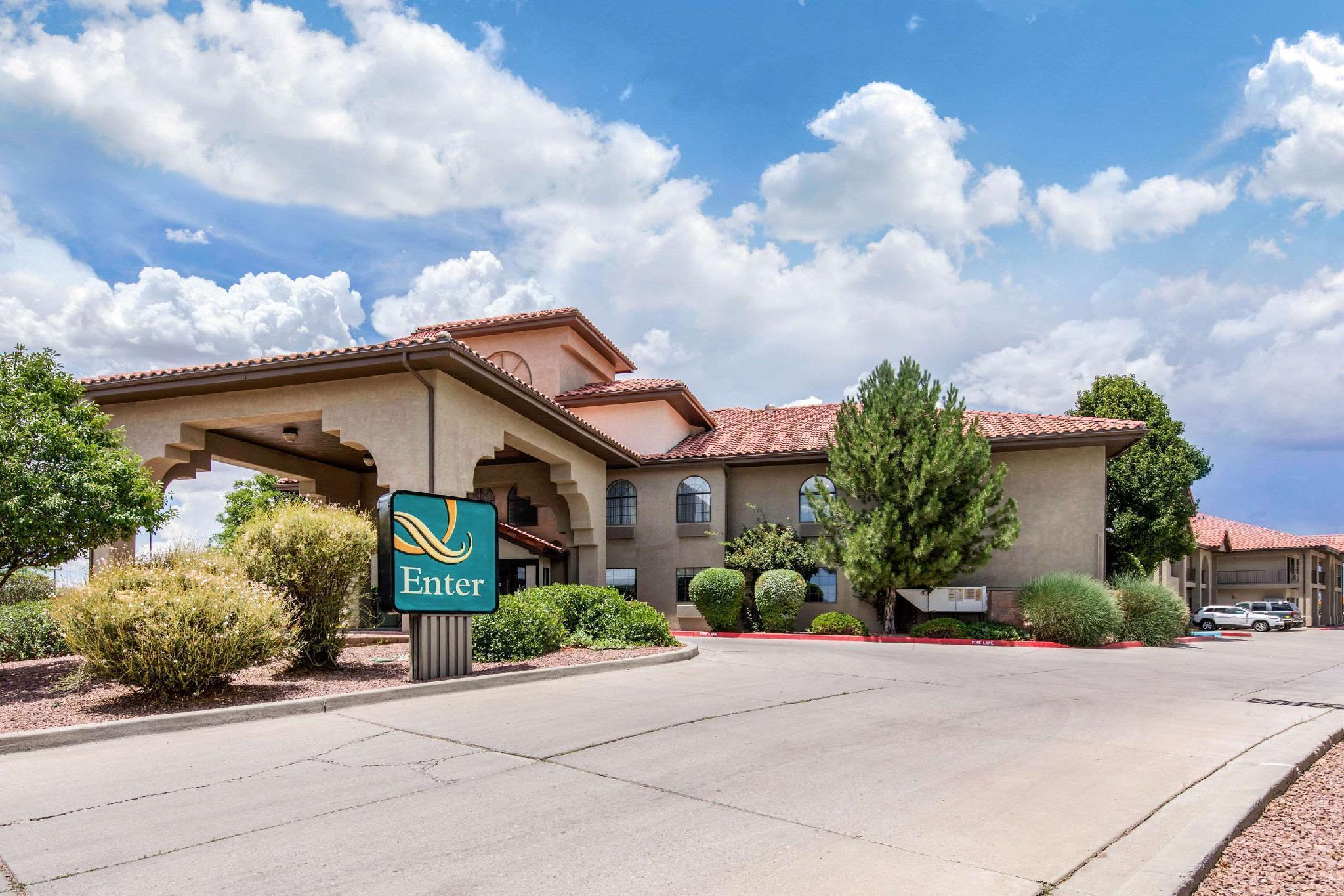 Quality Inn & Suites, McKinley