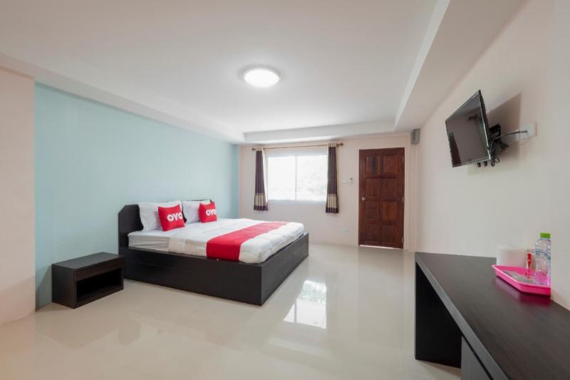 OYO 75329 Phensri Apartment