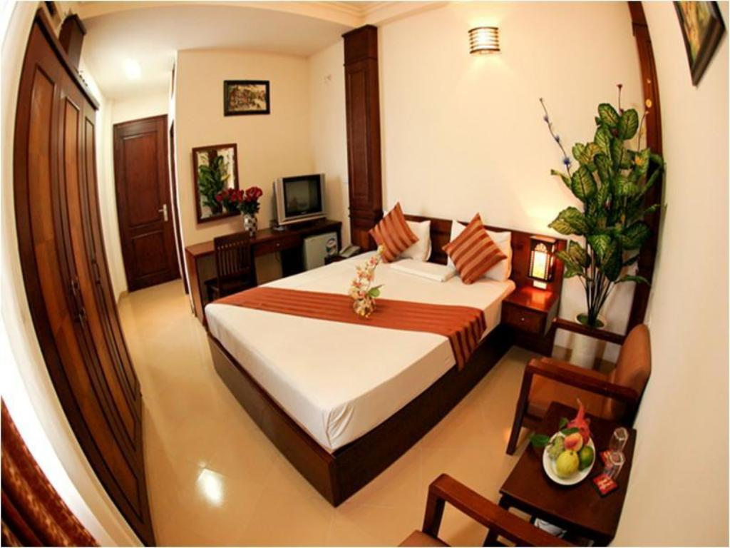 Best Price on Hanoi Street Hotel in Hanoi + Reviews