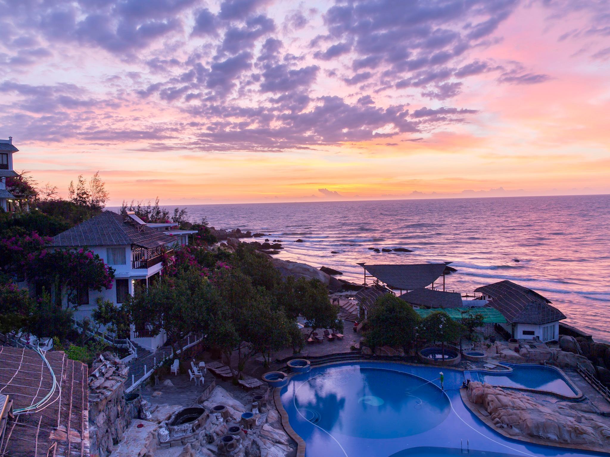 Rock Water Bay Resort, Hàm Thuận Nam