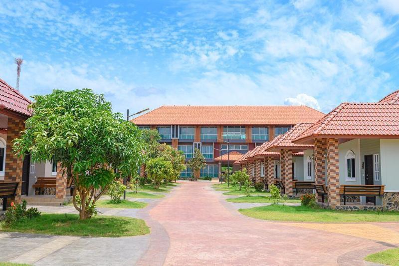 Avarin Resort