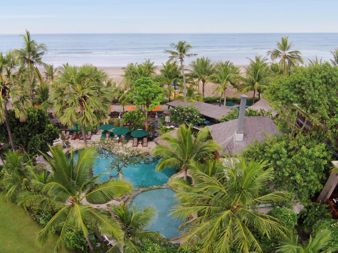 Book legian beach hotel bali indonesia for Hotel in bali indonesia near beach