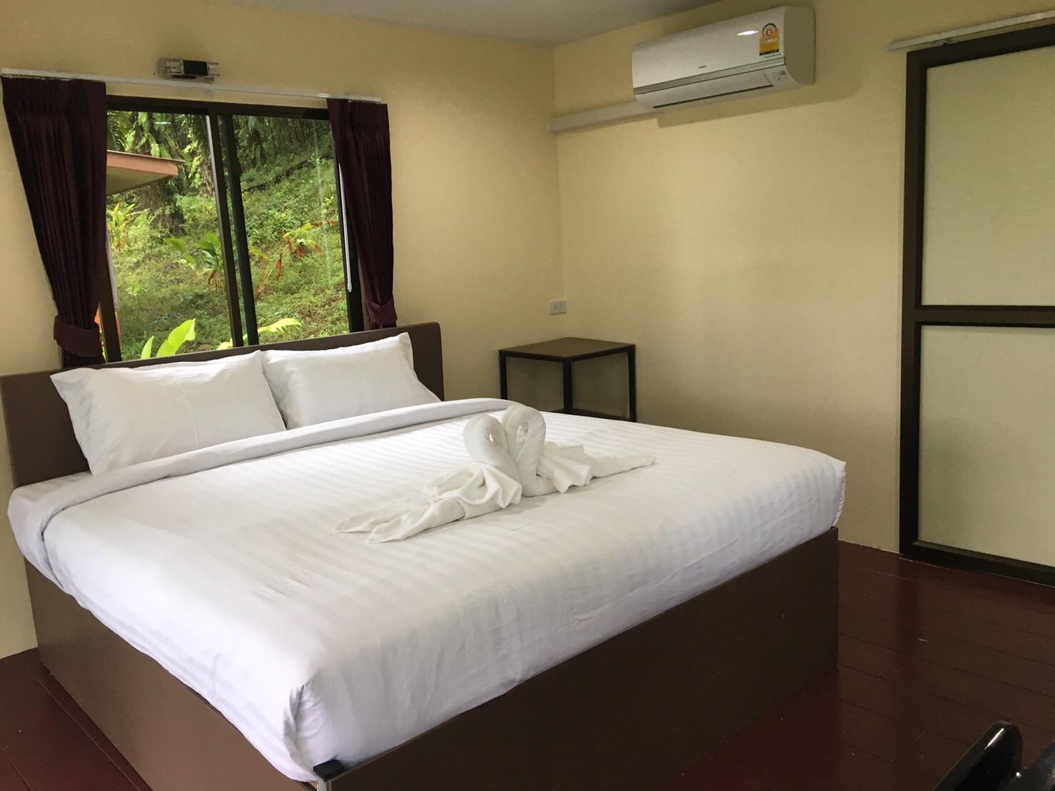horizon khao sok resort, Phanom