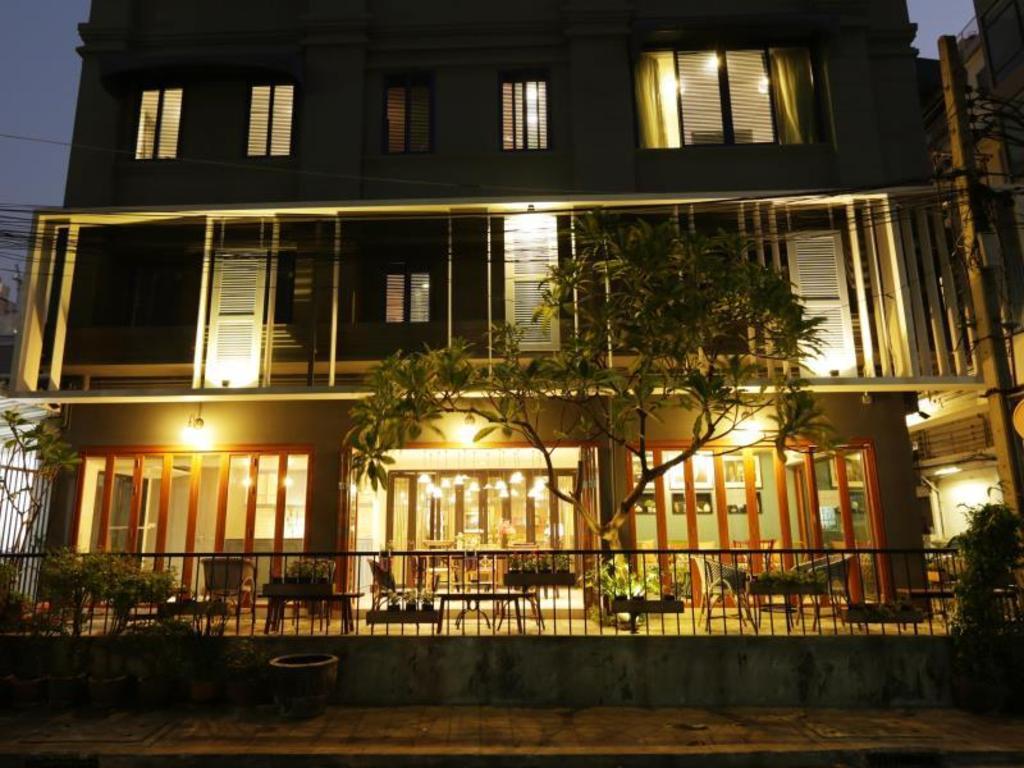 アット ホーム プレイス ホテル8