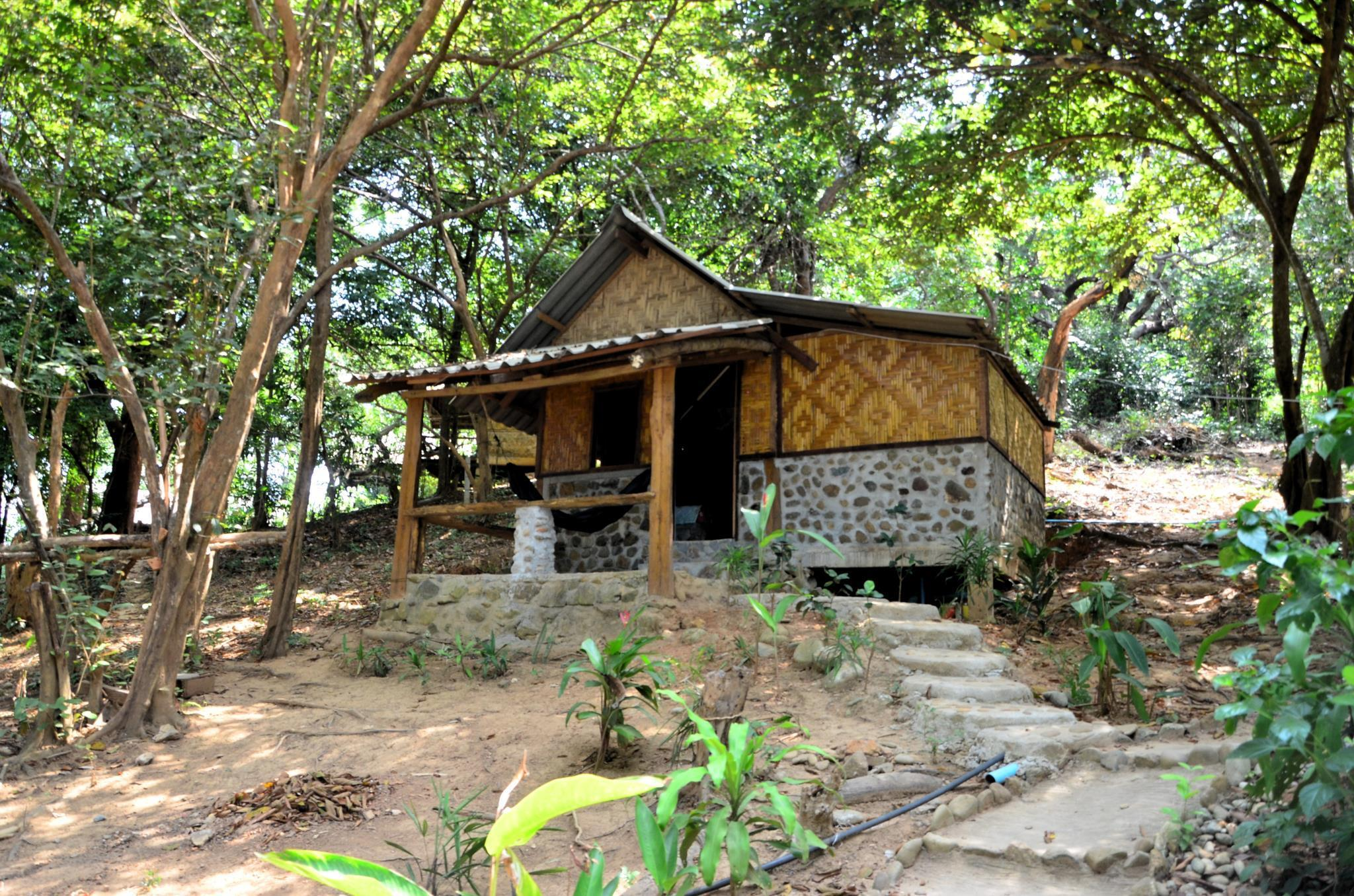 Sangsuree bungalow, Muang Ranong