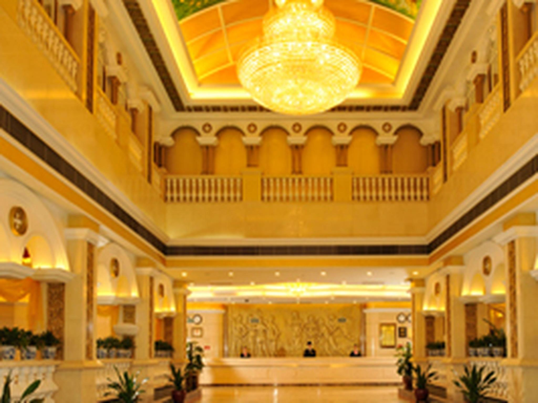 Vienna Hotel Nanjing Luhe District Government Longchi Subway Station Branch, Nanjing