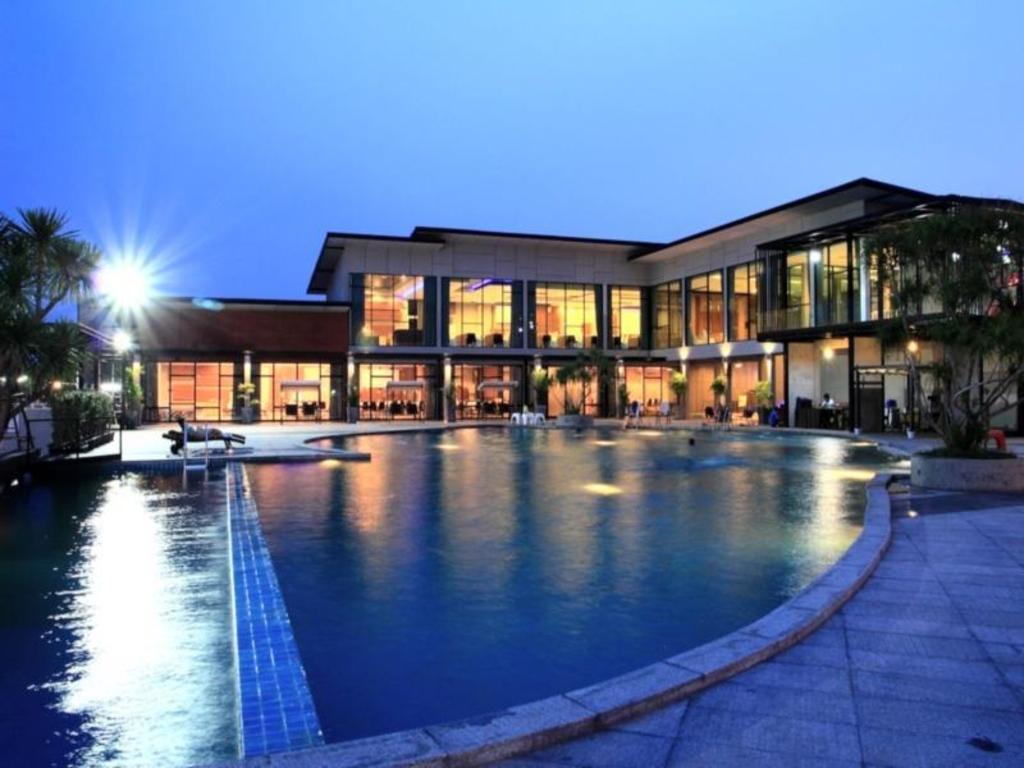 プラジャクトラ デザイン ホテル1