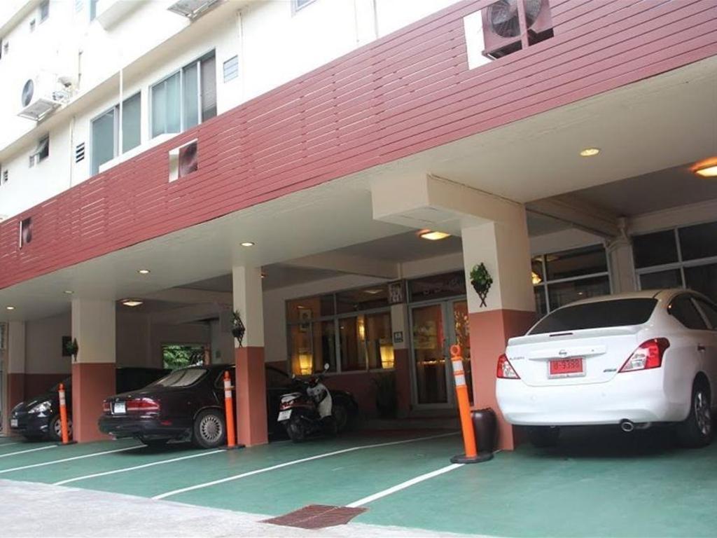 B.S コート ホテル10
