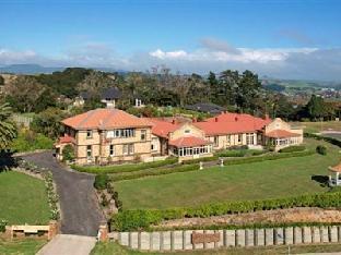 Manor Views