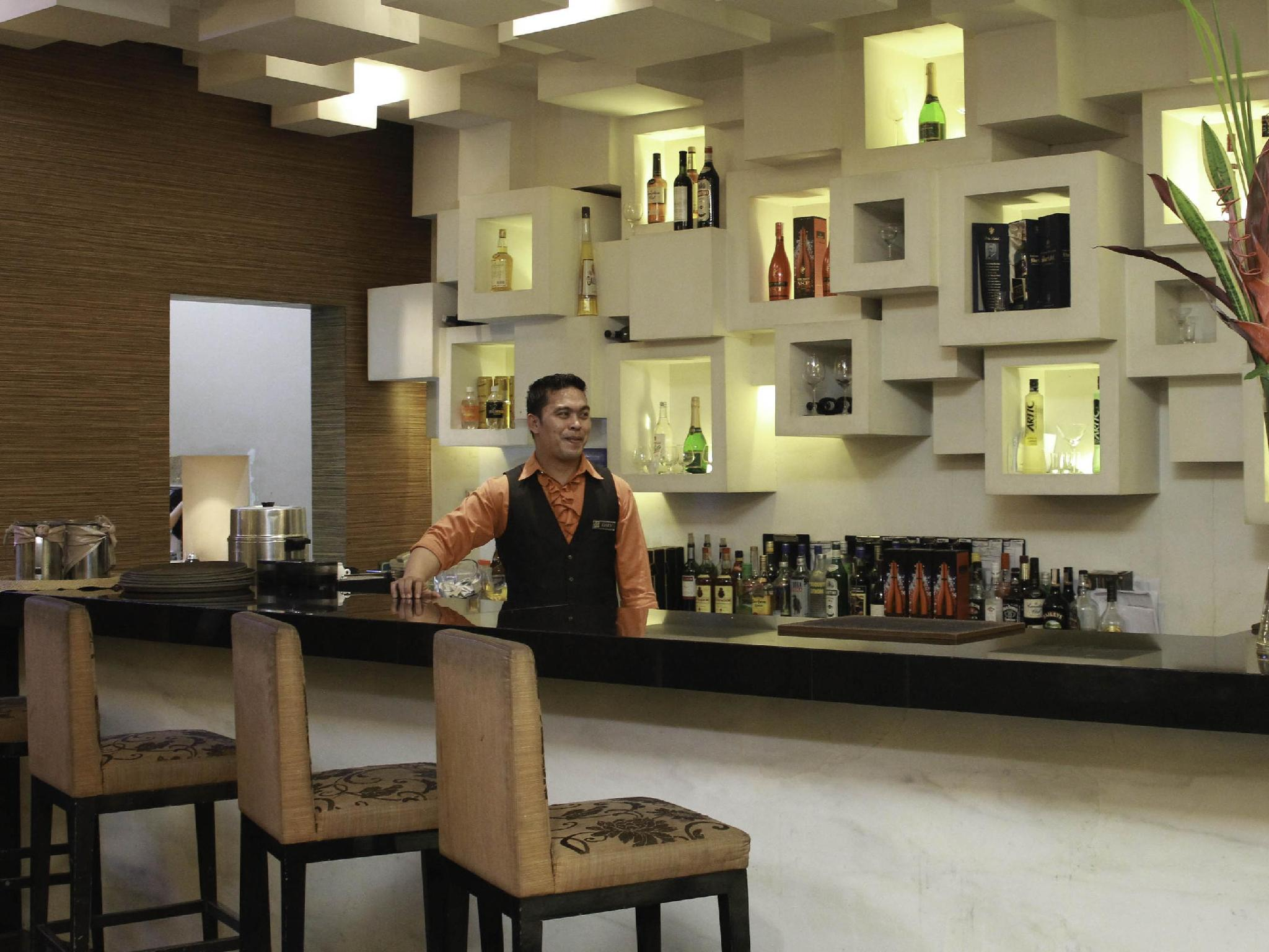 Manila Grand Opera Hotel - Bar/lounge