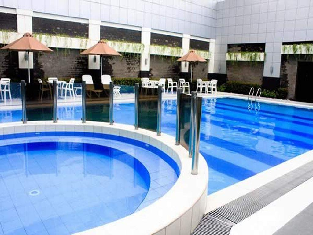 Manila Grand Opera Hotel - Swimming pool