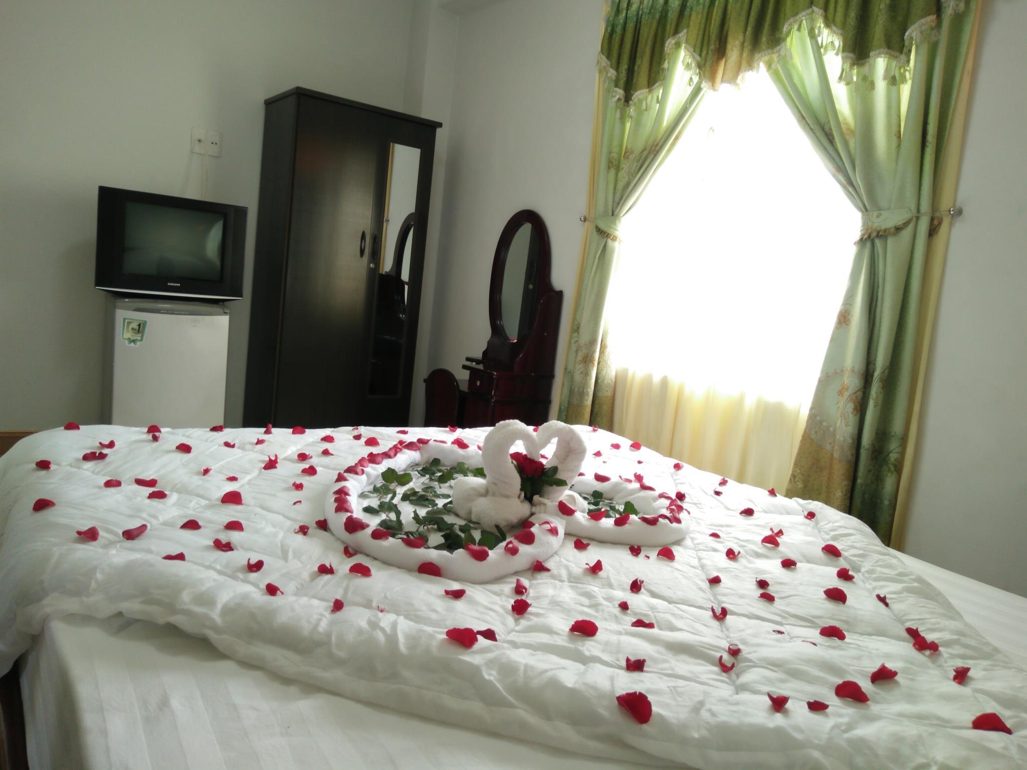 http://pix6.agoda.net/hotelImages/237/237472/237472_16100701120047512591.jpg