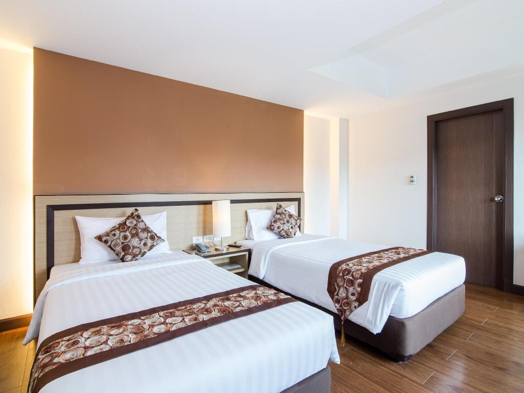 アヴィオン アパート ホテル13