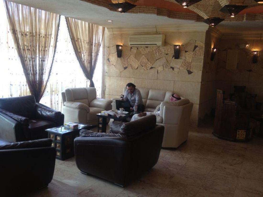 studio amani casino royal