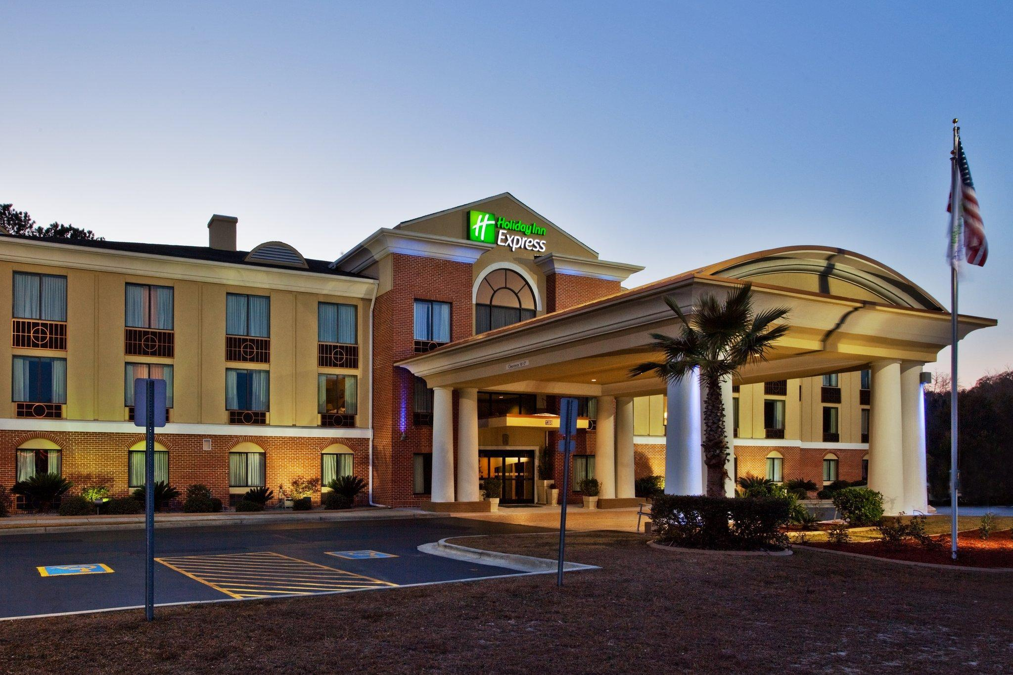 Holiday Inn Express Hotel & Suites Hinesville, Liberty