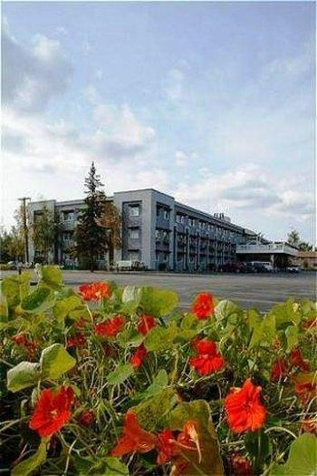 Clarion Hotel & Suites, Fairbanks North Star