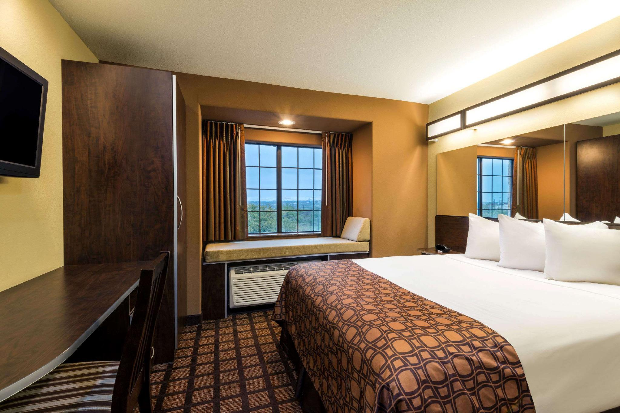 Microtel Inn & Suites by Wyndham San Antonio by SeaWorld, Bexar