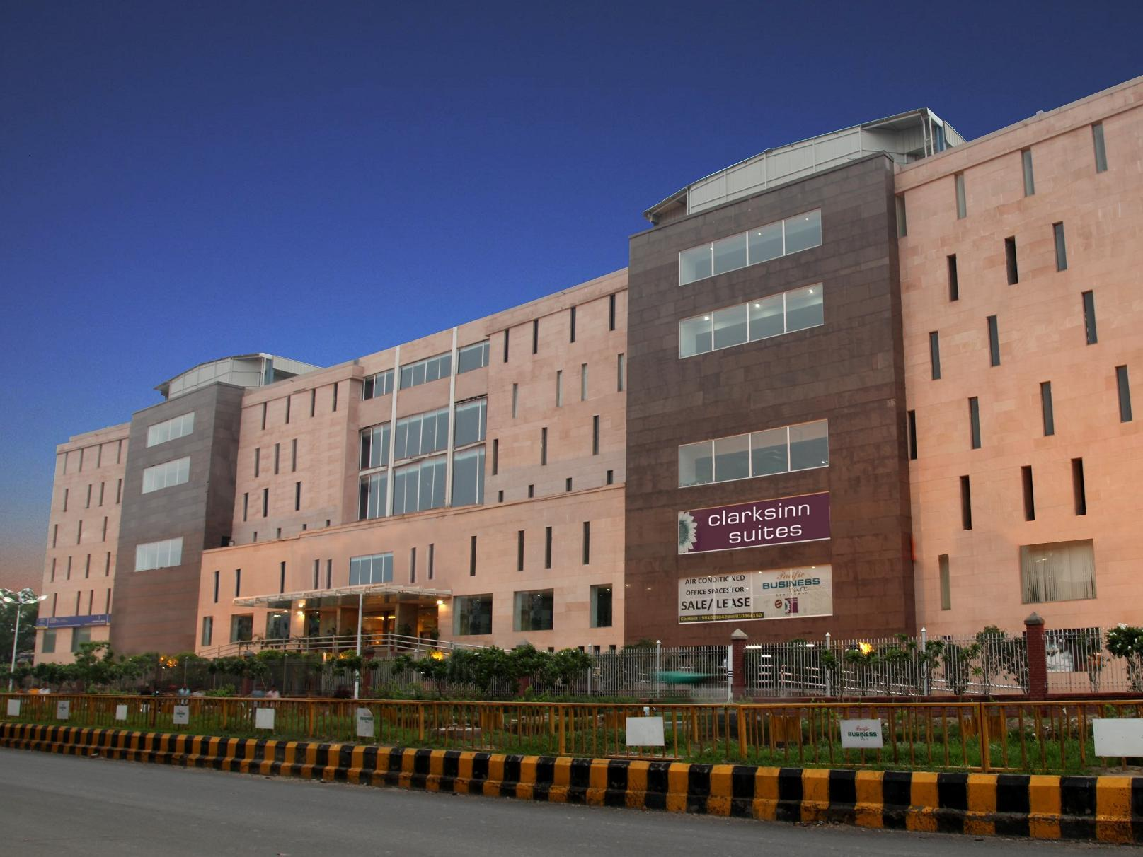 Clarks Inn Suites - Delhi NCR, Gautam Buddha Nagar