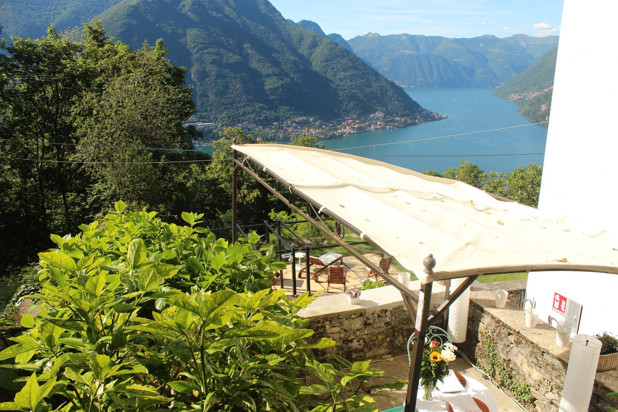 Essentia Guest House, Como