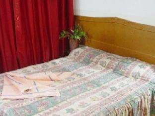 http://pix6.agoda.net/hotelImages/253/253878/253878_13051402140012323245.jpg