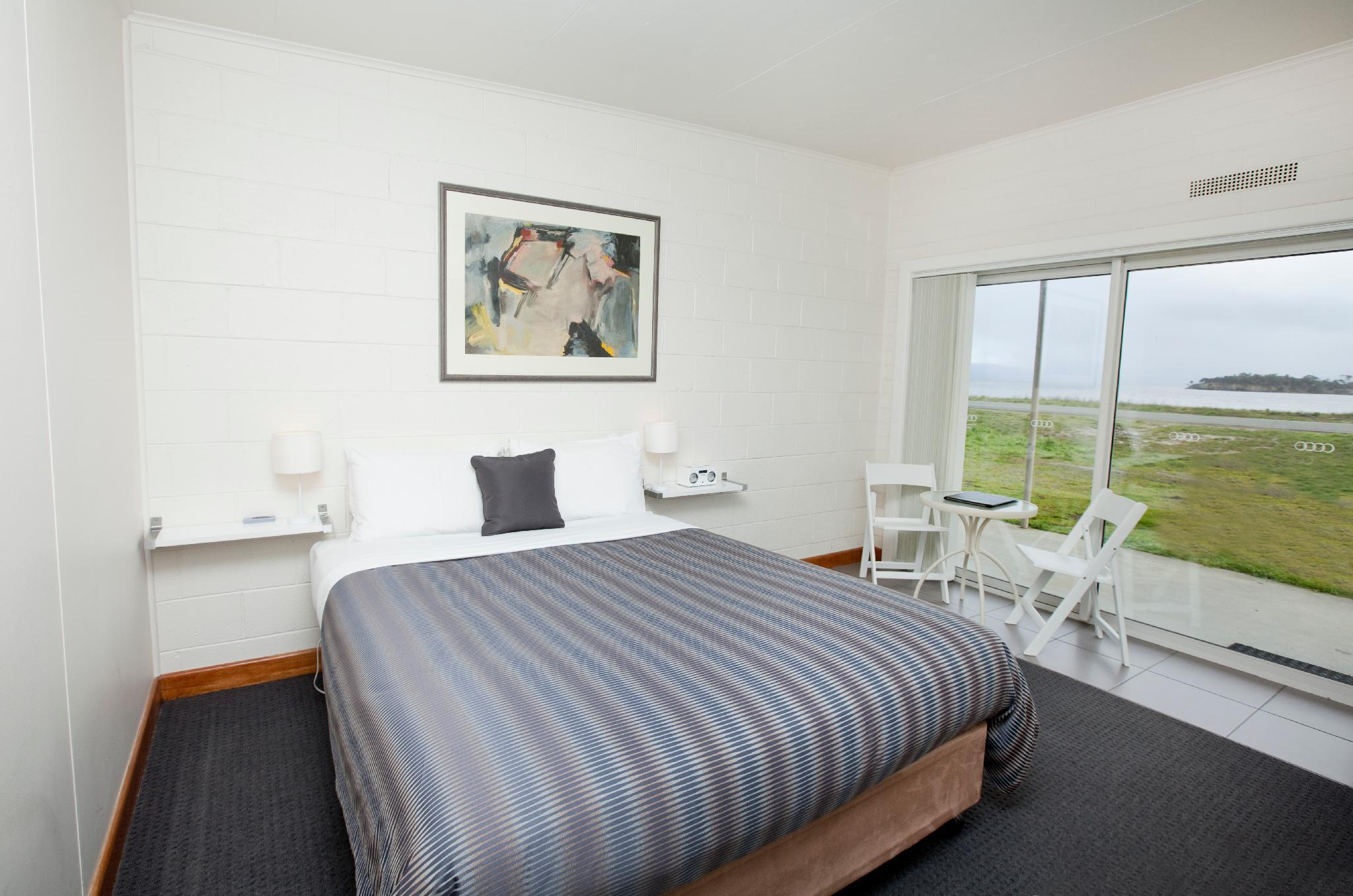 Bruny Island Escapes and Hotel Bruny, Kingborough