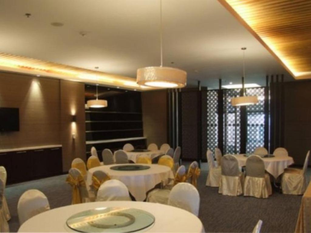 スニー グランド ホテル & コンヴェンション センター11