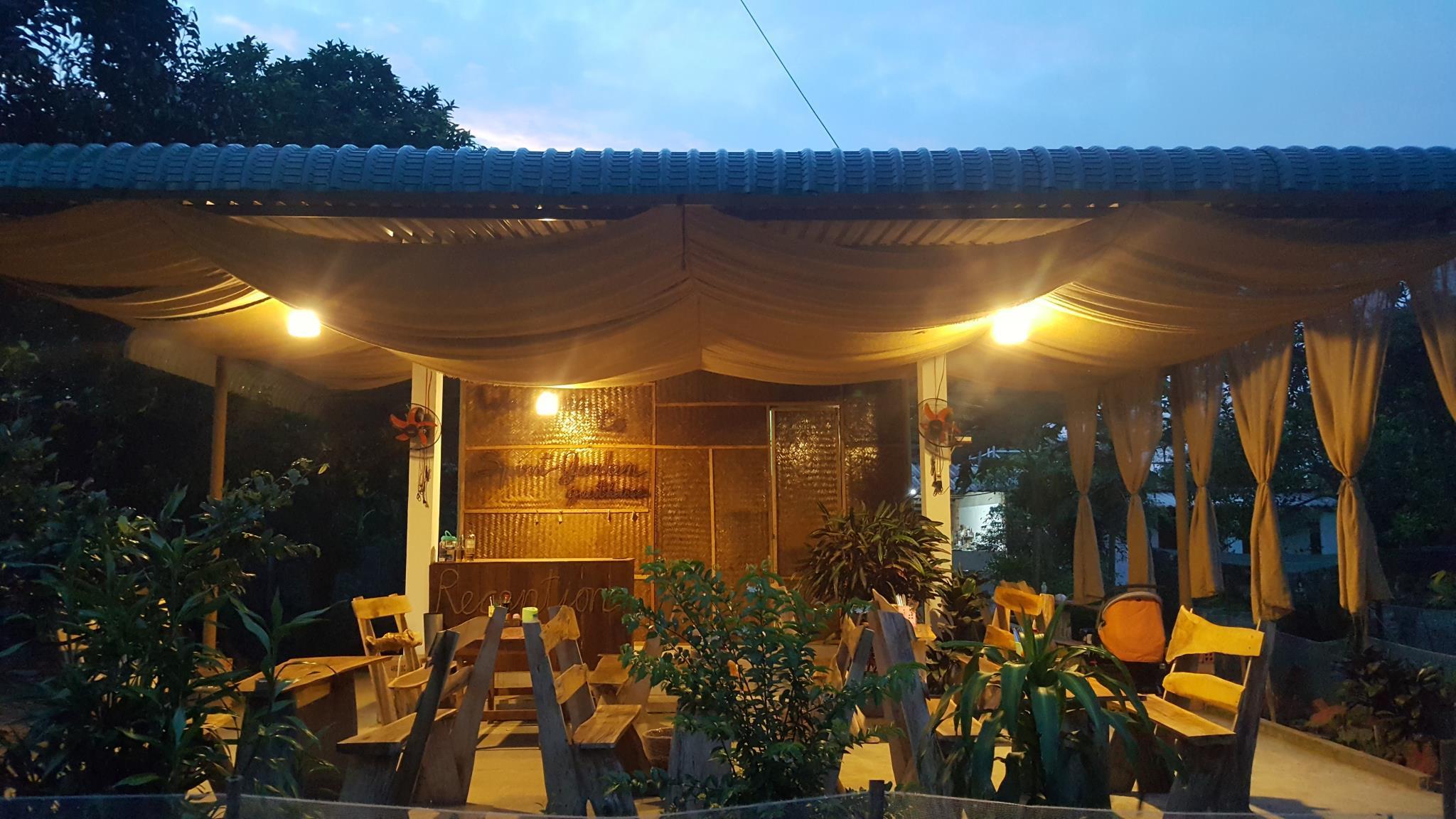Spirit Garden Guesthouse, Tân Phú